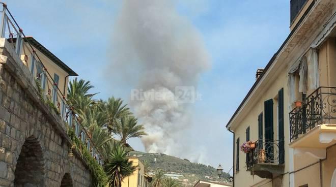 Incendio Monte Nero Bordighera 2015