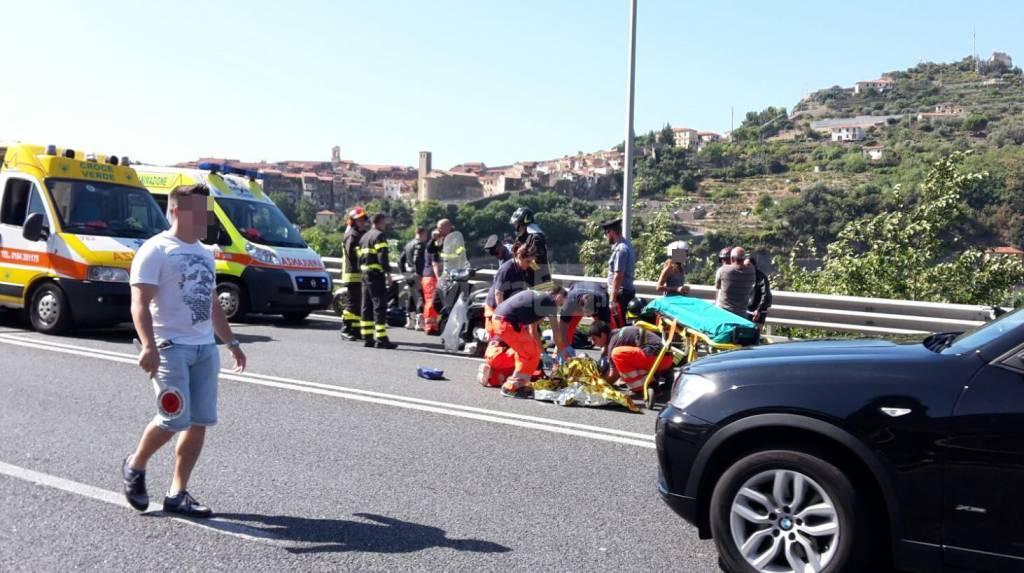 Incidente stradale tra due scooter sul cavalcavia di Roverino: grave un 84enne