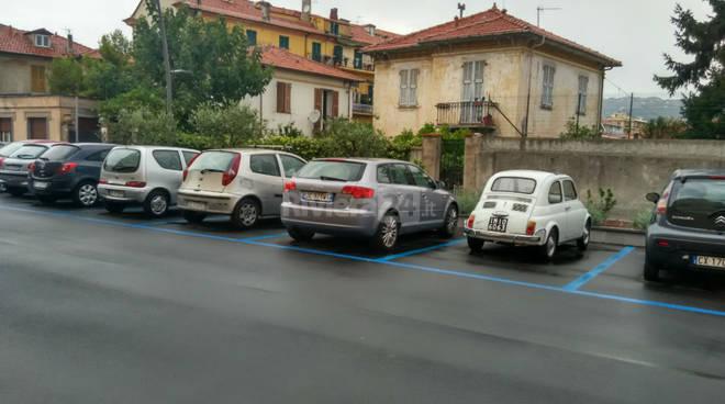 parcheggio via benza