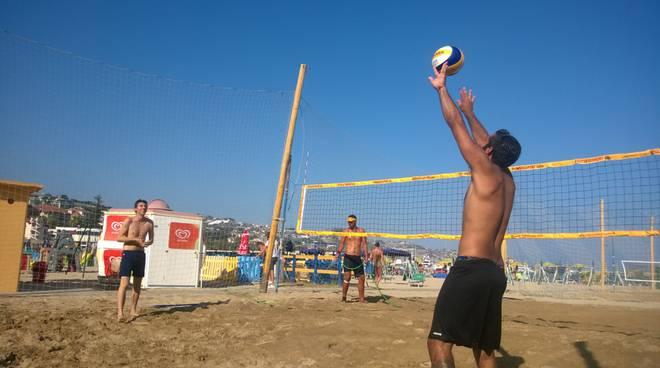 torneo di beach volley 2x2 Open maschile ai Bagni Italia