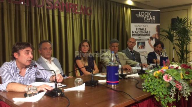 conferenza stampa look of the year