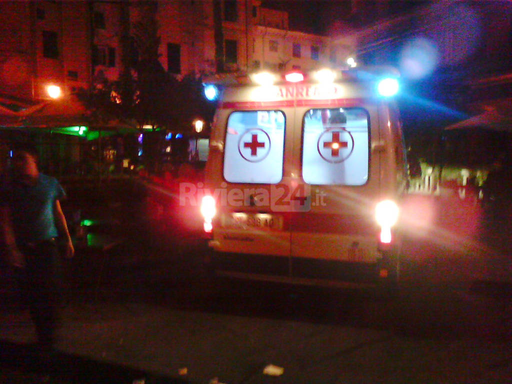 croce rossa notturna piazza bresca sanremo rissa