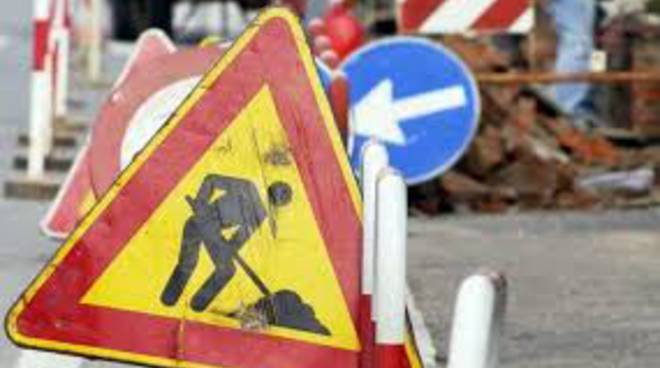 lavori in corso cantiere stradale generica