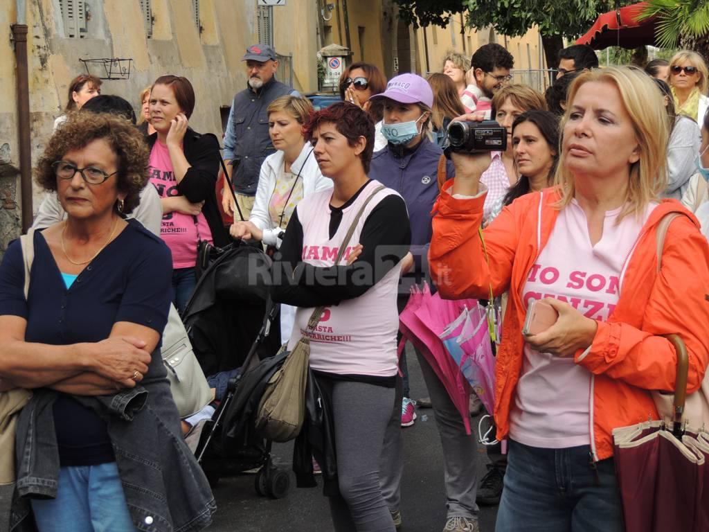 No al Lotto 6, manifestazione delle mamme a Taggia