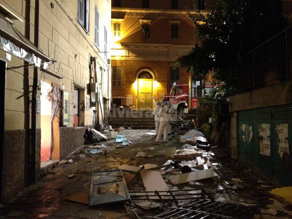 Imperia, attentato incendiario alla sala scommesse di piazza Calvi