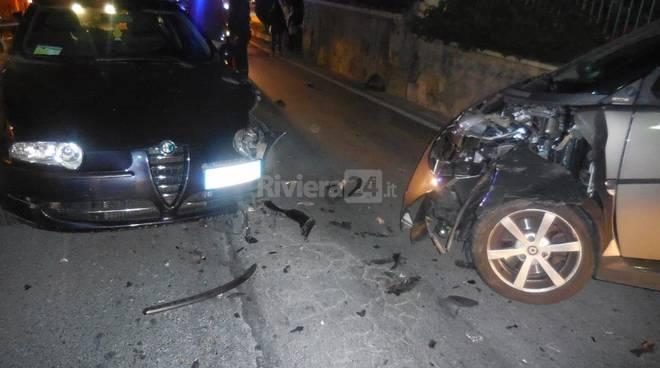 Bordighera, frontale tra due auto in via dei Colli novembre 2015