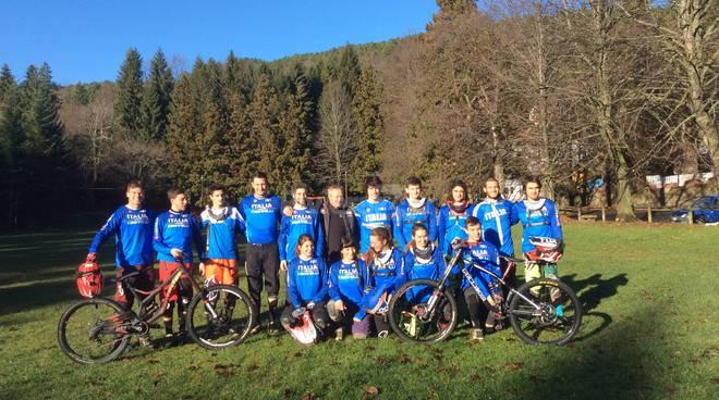 La nazionale italiana di downhill in ritiro a San Romolo