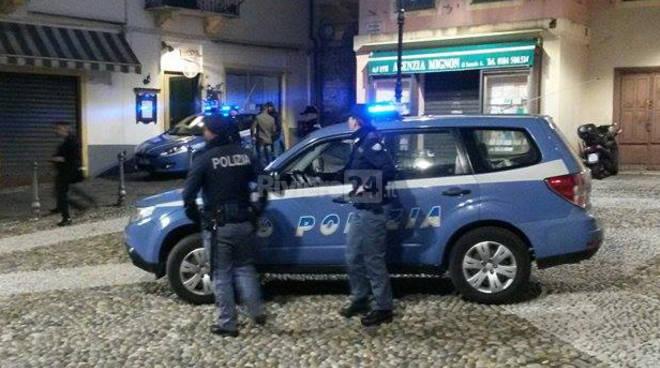 Sanremo Polizia centro città Pigna storico manso notturna