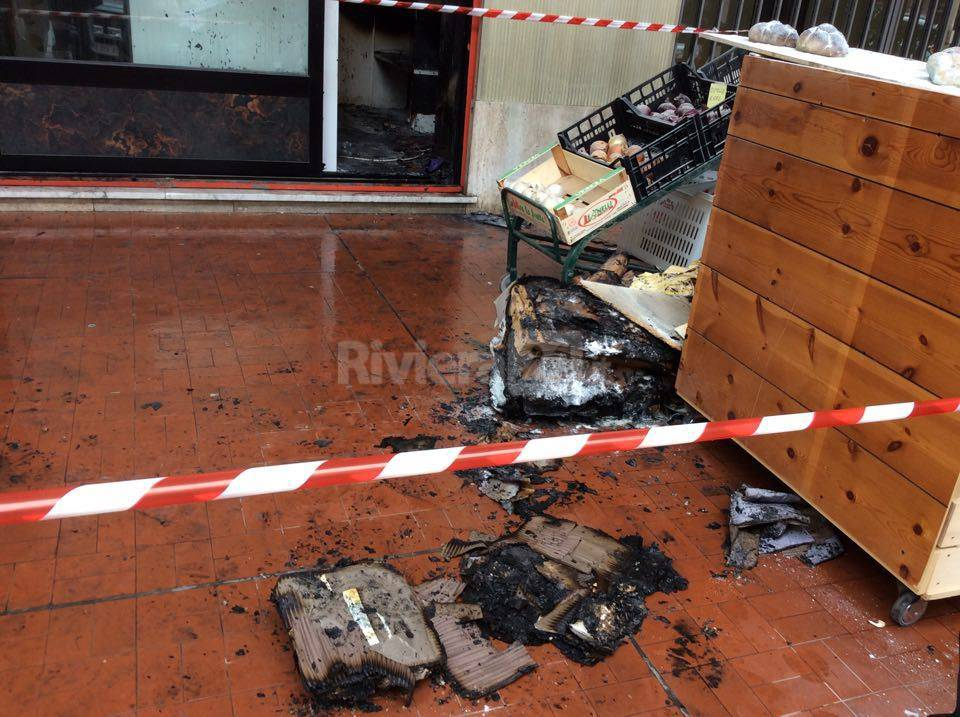 A fuoco un ortofrutta a Ventimiglia, si tratterebbe di un cortocircuito