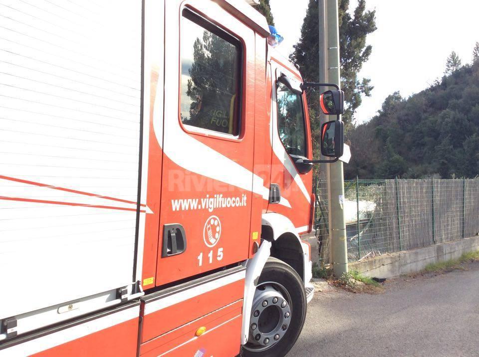 camion pompieri vigili fuoco