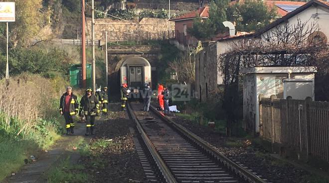 Travolto e ucciso da treno a Imperia, bloccata la linea ferroviaria