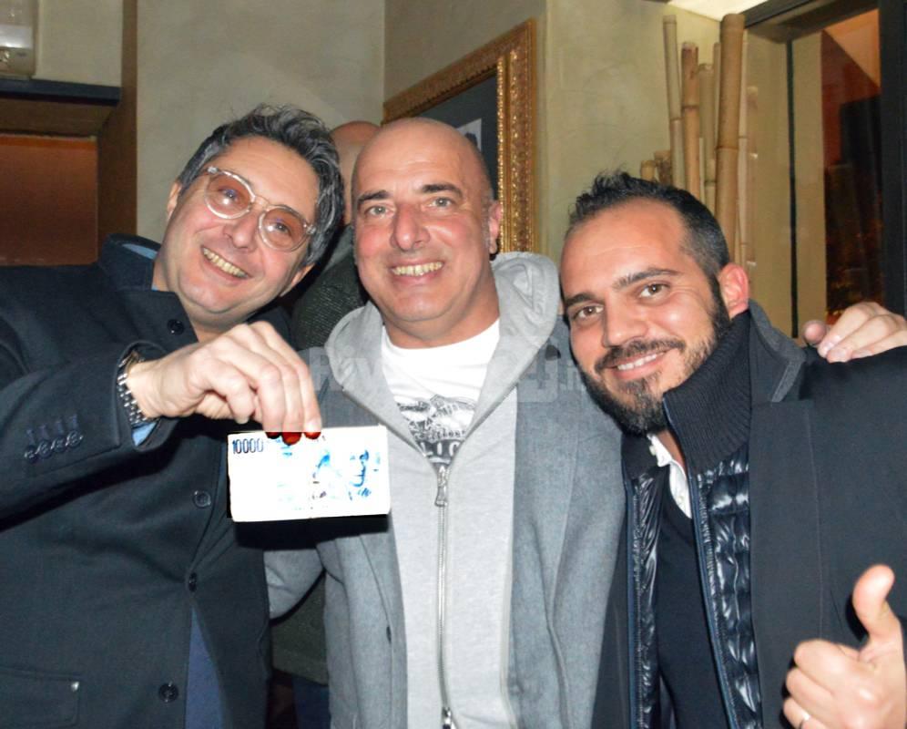 """Sanremo, """"Con un Deca"""" al Big Ben torna la lira e la movida ( e Berrino fa il Dj)"""