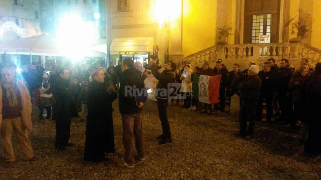Sit in dei parrocchiani di Coldirodi a San Siro per Don Pasquale