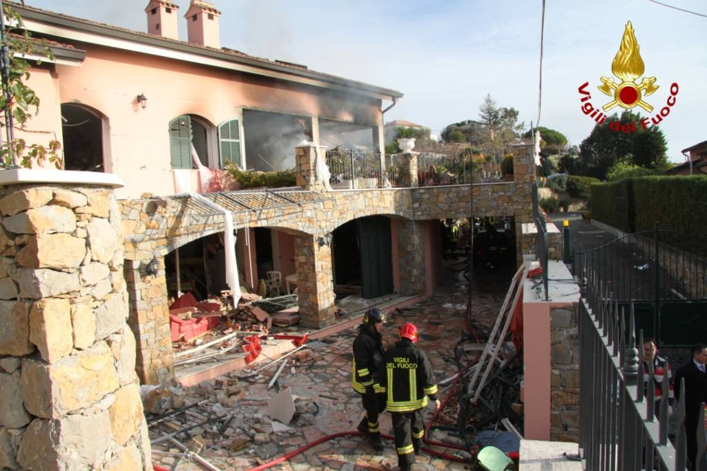 115 vigili fuoco villetta gabriel garko