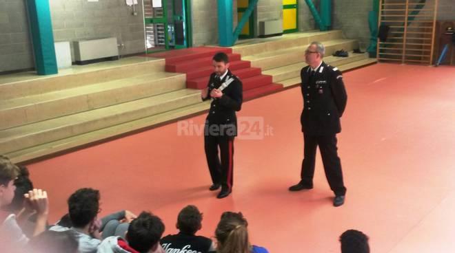 carabinieri ospedaletti a scuola