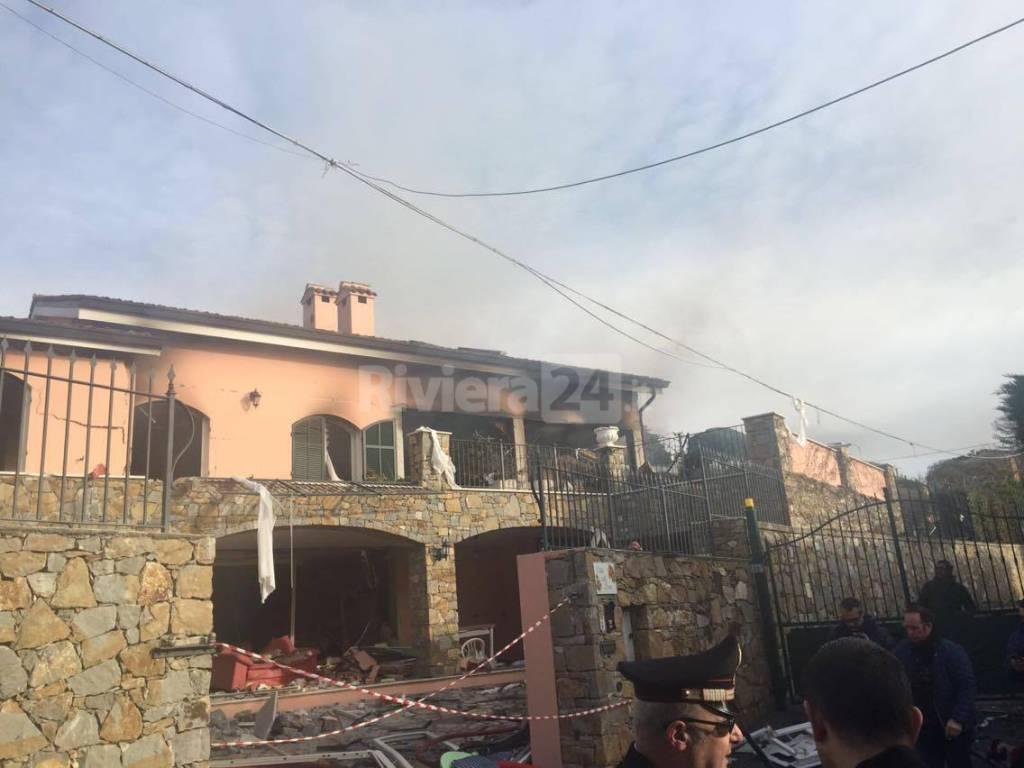 Esplosione in zona Solaro a Sanremo, sventrata la villetta affittata a Gabriel Garko