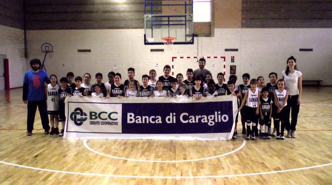 Nel derby Minibasket della Ranabo presentato lo sponsor della Banca di Caraglio
