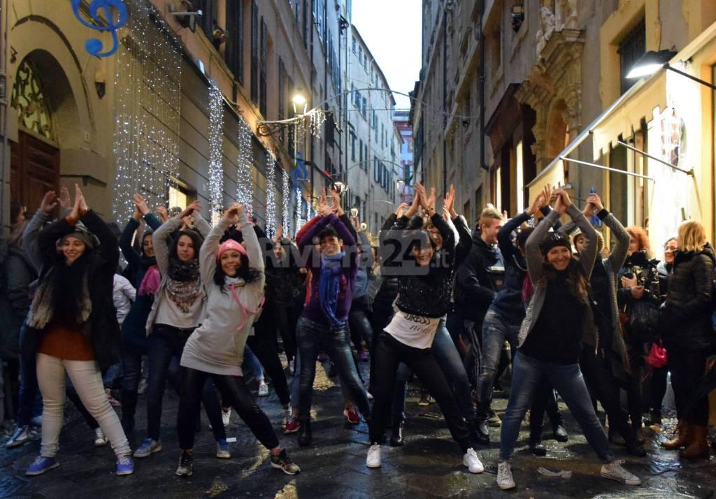 Sanremo, flash mob delle scuole di danza pro unioni civili