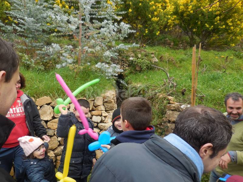 Seborga, piccoli pazienti del Gaslini in visita alla fattoria didattica