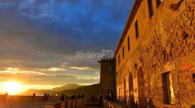 """Ventimiglia, """"Occhi Su Saturno"""" dalla terrazza del Forte dell ..."""