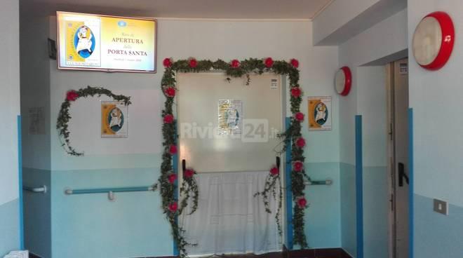 Casa rachele aperta la porta santa della misericordia for Disposizione della casa aperta