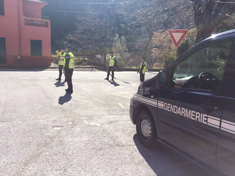 controlli gendarmerie breil sur roya