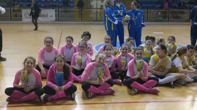 Grande esordio dell'attività 2016 per le nuove ragazze della Softball School