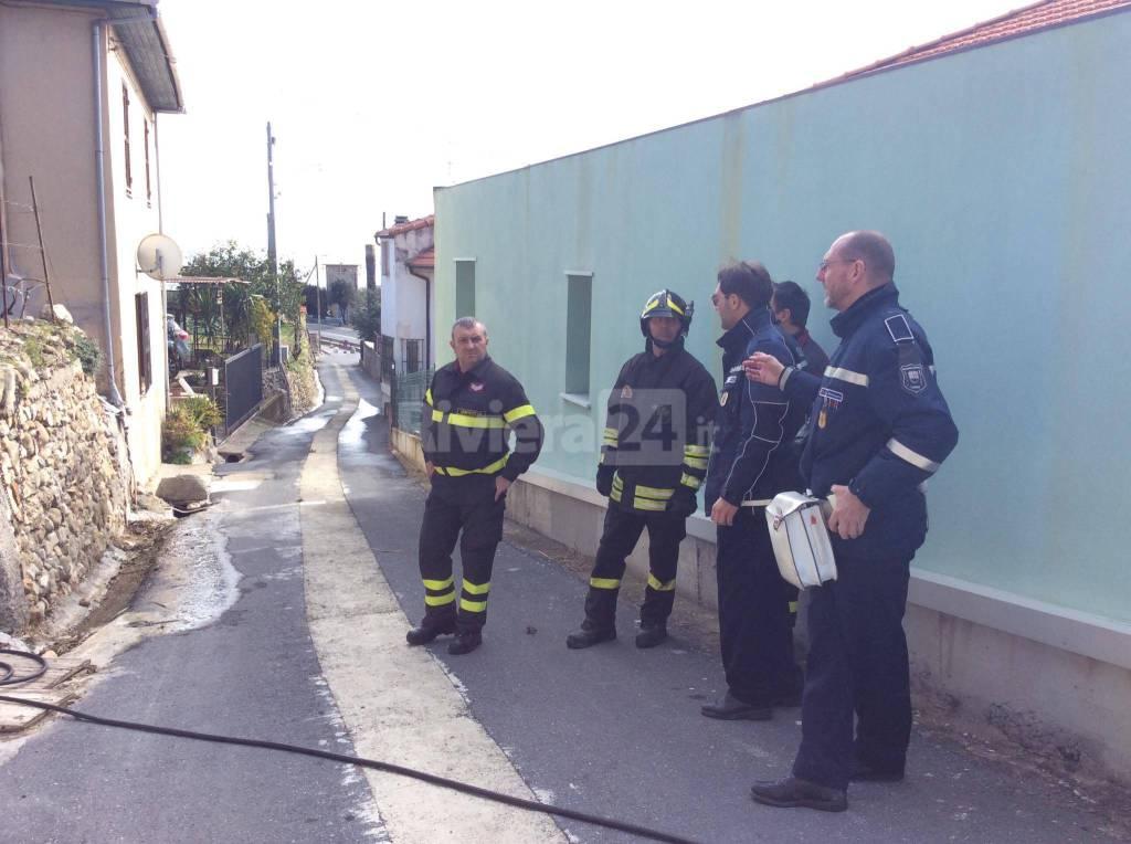 incendio villetta riva ligure marzo 2016 vigili del fuoco