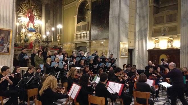 riviera24 - Il coro Troubar Clair alla Chiesa di Santo Stefano