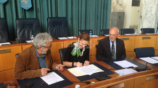 Scuola - lavoro, firmata la convenzione