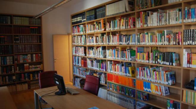 """""""Sogni di Carta"""" di Melania D'Alessandro alla Biblioteca Civica Aprosiana"""