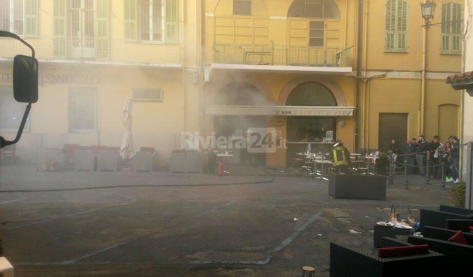 Incendio bar L&G in piazza Borea d'Olmo a Sanremo
