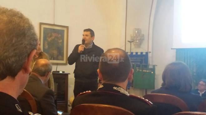 Riviera24 - A Genova il ricordo del Caporal Maggiore Tiziano Chierotti con Toni Capuozzo