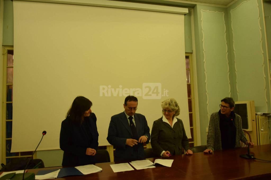 """Riviera24 - Firma protocollo fra """"Agorà"""" e """"La rete che unisce"""" a Palazzo Bellevue"""
