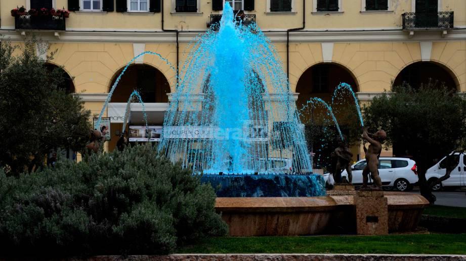 riviera24- fontana piazza dante per giornata autismo