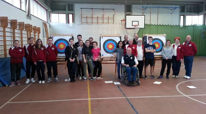 riviera24 - lezioni di tiro con l'arco al Liceo A.Aprosio