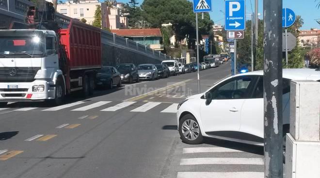 riviera24 - posto di blocco polizia sanremo aprile 2016