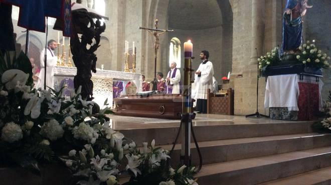 Funerale vescovo