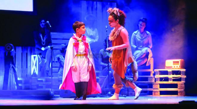 riviera24 - Fratelli Carli in teatro