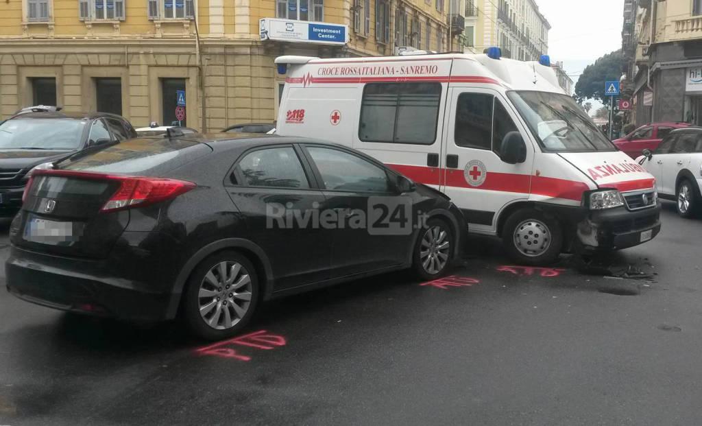 riviera24 - incidente ambulanza croce rossa