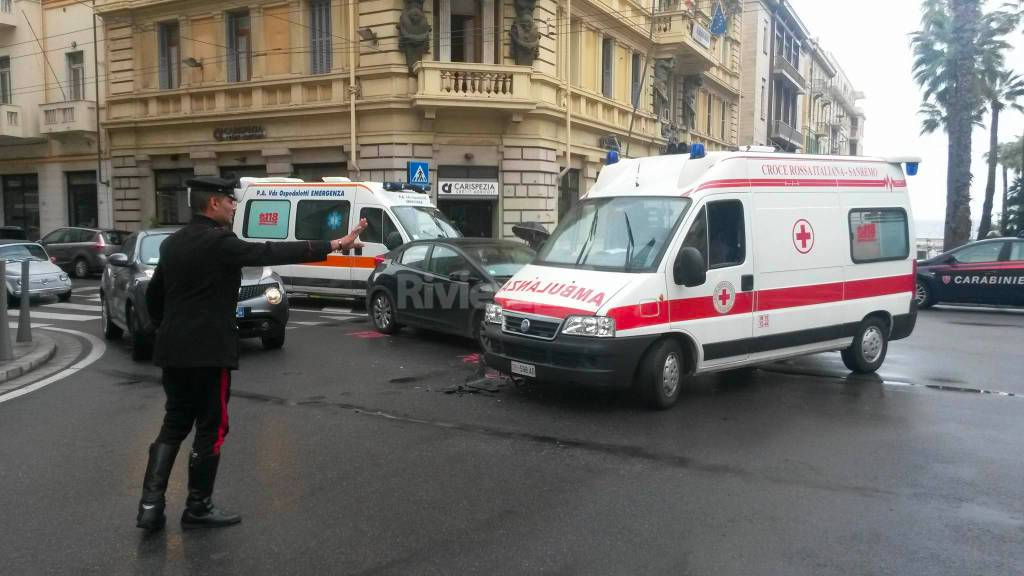 riviera24 - incidente ambulanza croce rossa
