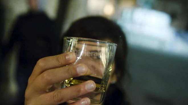 Salute con Elena Malysheva su alcolismo - Spaventare quello che ha smesso di bere