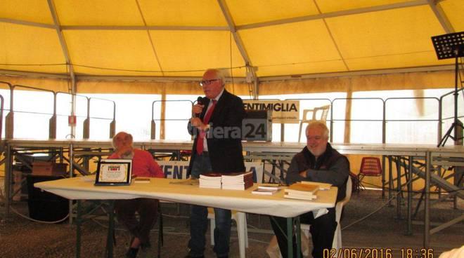 riviera24 - Camporosso, presentato il libro del prof. Vittorio Mazzone nella serata del 2 giugno