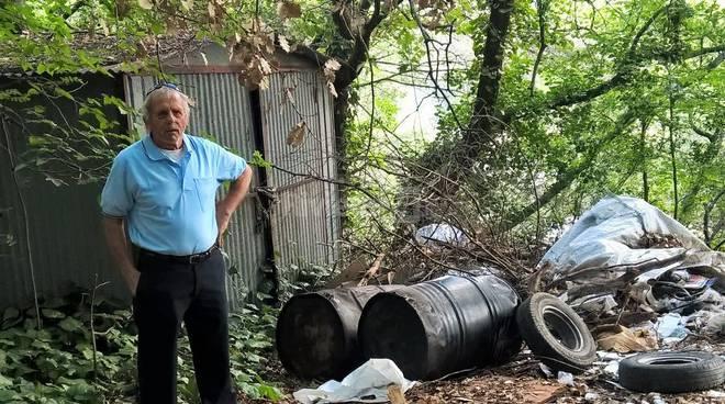 riviera24 - Discarica abusiva di rifiuti ingombranti