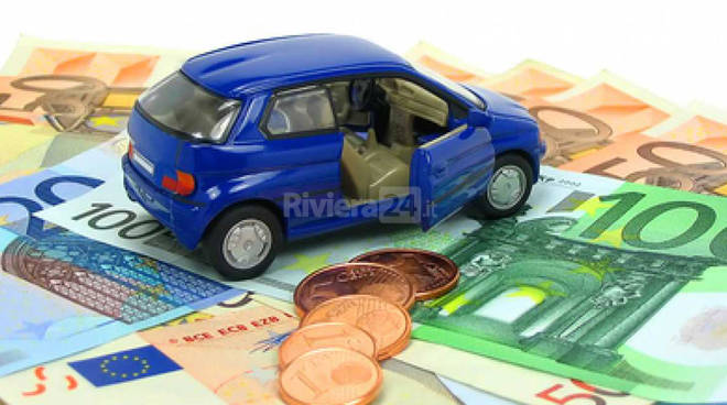 Riviera24 – macchina e soldi generica