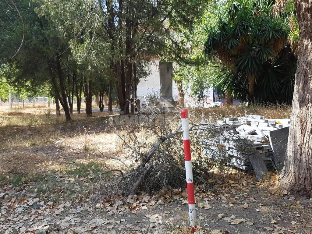 riviera 24 - Taggia, degrado alle ex Caserme Revelli: i cittadini scrivono al sindaco Genduso