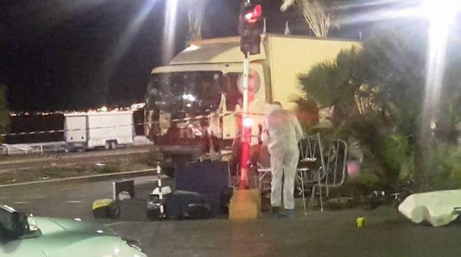 Riviera24 - camion attentato a nizza