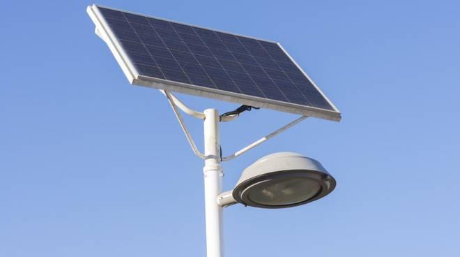 riviera24 - lampione energia solare