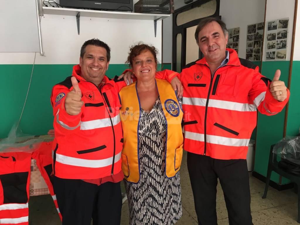 riviera24 -  Lions donano le nuove divise alla Croce Verde