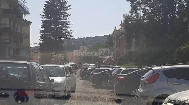 riviera24 - parcheggio arma e traffico in tilt tra arma e bussana